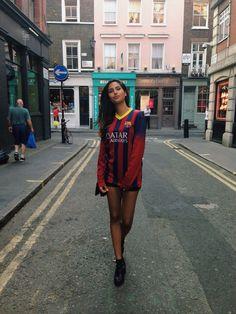 Girl Football Girls, Fc Barcelona, Shirt Dress, T Shirt, Soccer, Hipster, Lifestyle, Sexy, Fitness