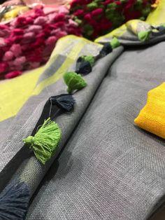 Pure Linen Saree: Free COD Fabulous Women's Sarees Saree Fabric: Pure Linen Blouse: Running Blouse Blous. Indian Designer Suits, Elegant Fashion Wear, Linen Blouse, Handloom Saree, Cotton Saree, Cod, Sarees, Cool Style, Weaving