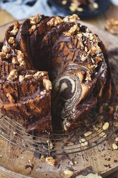 Peanut Butter Brownie Bundt Cake: A Cla . - Peanut Butter Brownie Bundt Cake: a classic in peanut robe - Easy Cake Recipes, Easy Desserts, Sweet Recipes, Baking Recipes, Cookie Recipes, Dessert Recipes, Peanut Butter Brownies, Peanut Butter Cookie Recipe, Cookies Et Biscuits