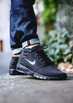 NIKE SB JANOSKI MAX MID LEATHER (via Kicks-daily.com)