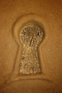 clay keyhole