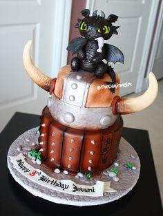 Beautiful base to this cake!
