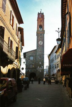 Tuscany in Winter - Montalcino Brunello Di Montalcino, San Francisco Ferry, Tuscany, The Good Place, Europe, World, Building, Winter, Places