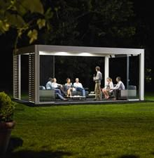 UpDown LED lights for your pergola add instant coziness. Choose the light intensity for your carport or pergola (also colored atmospheric lighting). Pergola Aluminium, Metal Pergola, Pergola With Roof, Outdoor Pergola, Pergola Lighting, Wooden Pergola, Patio Roof, Pergola Plans, Pergola Kits