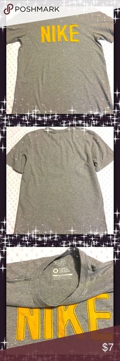 Clearance ✨Nike Tee Nike Tee. Great Condition Nike Shirts & Tops Tees - Short Sleeve