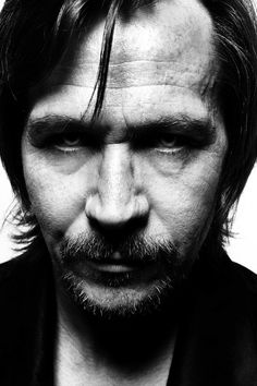 Gary Oldman (1958) - English screen and stage actor, filmmaker and musician. Photo by Lionel Deluy
