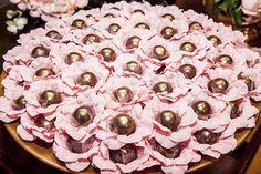 Festa de 15 anos de Luisa Salomão: decoração em tons de rosa e dourado - Constance Zahn | 15 anos
