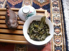 Just hanging out with a friend, having some Bao Zhong Imperial tea