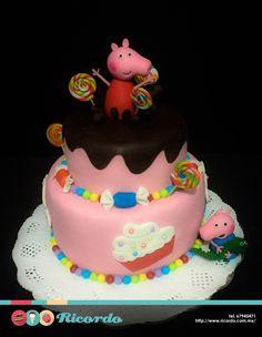 #MiercolesDeGaleria  Peppa Pig  Un dulce y divertido pastel de fondant para los pequeñines de la casa.  #catalogoRICORDO  #pastel #fondant #fondantcake #birthdaycake #pasteldecumpleaños #felizcumple #peppa #peppapig