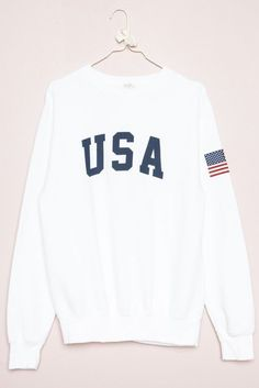 https://www.brandymelvilleusa.com/erica-usa-sweatshirt-002.html MUST HAVE PLEASE PLEASE. This WHITE sweatshirt. One size fits all. $35