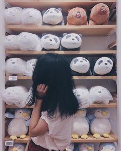 """""""beli ini dong bang, adek pengen tapi g punya duit"""" """"pilih ajah"""" """"yey"""" Ulzzang Korean Girl, Cute Korean Girl, Ulzzang Couple, Girl Photo Poses, Girl Photography Poses, Tumblr Photography, Profile Pictures Instagram, Instagram Pose, Uzzlang Girl"""
