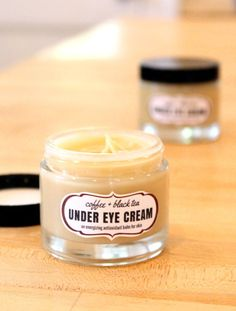 This coffee & black tea under eye cream is an energizing antioxidant balm that's perfect for tired eyes and skin. Made with anti-inflammatory coffee essential oil and antioxidant rich darjeeling tea, this coffee & black tea under eye cream recipe helps to Diy Eye Cream, Eye Bag Cream, Skin Cream, Anti Aging Eye Cream, Anti Aging Skin Care, Homemade Skin Care, Homemade Beauty, Homemade Facials, Crema Facial Natural