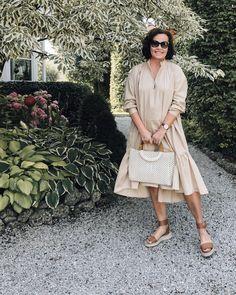 #sommerkleid #ü50 #over50style Best Ager Model, Fashion Blogger Style, Fashion Bloggers, Personal Style, Shirt Dress, Photo And Video, Shirts, Instagram, Dresses