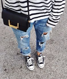 How To Wear Boyfriend Jeans With Converse Striped Shirts Trendy Ideas Urban Street Style, Look Fashion, Winter Fashion, Fashion Outfits, Fashion Mode, Fashion Hacks, Classy Fashion, School Fashion, Petite Fashion
