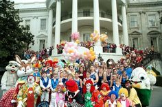 a photo from the 1989 Easter Egg Roll hosted by President George H.W. Bush and family. 3/27/89.