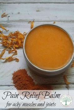Arnica Muscle Pain Relief Balm With Warming Cayenne * The Homesteading Hippy Got tired, achy muscles after a workout or a day in the garden? Soothe those tired, achy muscles naturally with this herbal pain relief salve. The Homesteading Hippy Natural Home Remedies, Natural Healing, Herbal Remedies, Health Remedies, Cold Remedies, Bloating Remedies, Natural Oil, Holistic Healing, Natural Beauty