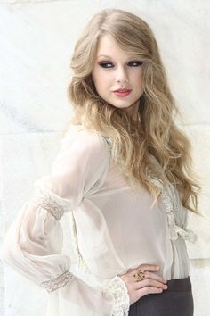 Taylor, stop being so freakin' pretty. Sincerelly, Forever Ugly