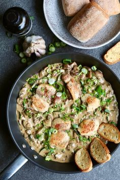 Chicken in parmesan cream sauce with garlic ciabatta + take the online gluten self-test! Food Porn, Healthy Recepies, Good Food, Yummy Food, Ciabatta, Comfort Food, Food Inspiration, Chicken Recipes, Food And Drink