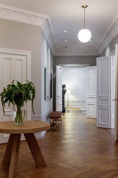 Post: Grandes muebles para grandes espacios --> comedor nórdico, decorar pisos grandes, estilo escandinavo, mesas de comedor 8 personas, mesas grandes, muebles grandes, salón nórdico, sofás grandes, interior inspiration, home decor, home style, elegant decor, scandinavian decor, scandinavian livivngroom, scandianvian couch