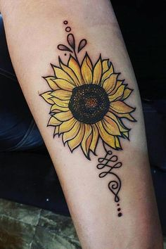 Are you looking for a classy and beautiful sunflower tattoo with a deep meaning? You should definitely consider getting one of these designs🌻🌻 tattoos Simple Sunflower Tattoo Designs To Carry Your Favorite Flower On Your Skin Colorful Sunflower Tattoo, Sunflower Tattoo Sleeve, Sunflower Tattoo Shoulder, Sunflower Tattoos, Sunflower Tattoo Design, Shoulder Tattoo, Flower Sleeve, Small Sunflower, Sunflower Mandala Tattoo