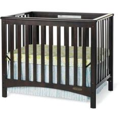 Child Craft  Crib London Euro Mini 2-in-1 Fixed-Side is an splendid Convertible crib. It comes with a Mattress and has a Jamocha finish.