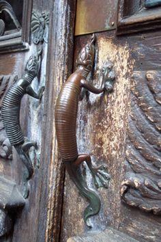 Lizard Door Knocker - Cast Iron, Pêro Soares, Guarda, Portugal ...