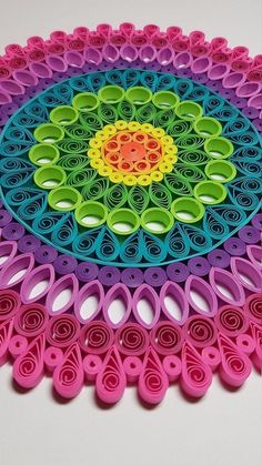 Paper Quilled Mandala - - Handmade Items , Paper Quilled Mandala - Papier Quilling Mandala 9 x 9 Papier-Quilling. Arte Quilling, Paper Quilling Patterns, Quilled Paper Art, Quilling Paper Craft, Paper Crafting, Paper Paper, Kirigami Patterns, Quiling Paper, Quilling Letters