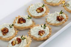 Deliciosa mousse de roquefort y nueces No Cook Appetizers, Finger Food Appetizers, Mousse, Food C, Salty Foods, Muffins, Spanish Tapas, Tasty, Yummy Food