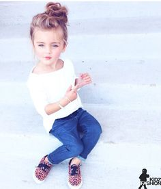 Fashion Kids So cute, I would definitely have my baby girl in an outfit like this! Fashion Kids, Little Girl Fashion, My Little Girl, My Baby Girl, Toddler Fashion, Little Princess, Little Blonde Girl, Pretty Kids, Sassy Girl