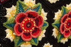 Cal collectif Frida's Flowers : je vous propose ce magnifique plaid qui sera réalisé en cal collectif, vous trouverez toutes les explications