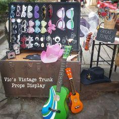 Vic's Vintage Trunk, prop display.