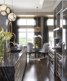 Dining Room Updates, Modern Rooms - Home Decoration Ideas Home Decor Kitchen, Interior Design Kitchen, Interior Decorating, Modern Interior, Kitchen Wood, Kitchen Ideas, Luxury Interior, Gold Kitchen, Kitchen Island