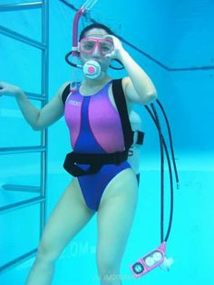 My Favorite One Piece Swimsuits and Diving Lessons, Diving Wetsuits, Scuba Girl, Womens Wetsuit, One Piece Suit, Japan Fashion, Women's Fashion, Plein Air, Scuba Diving