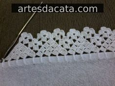 You certainly have seen one or another crochet nozzle around, even if you didn't know that was the name. This is because the crochet nozzle, which is also Crochet Boarders, Crochet Edging Patterns, Crochet Lace Edging, Crochet Trim, Love Crochet, Filet Crochet, Crochet Doilies, Easy Crochet, Crochet Stitches
