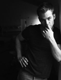 Chris Pine - lost my breath for a moment. I don't even like him, but yeah.. he's.. nice.. ;)