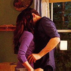 Breaking Dawn part 1 Scene Couples, Cute Couples Kissing, Cute Couples Goals, Couples In Love, Twilight Saga Series, Twilight Edward, Twilight Movie, Romantic Kiss Gif, Kiss And Romance