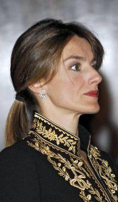 Adele, Spanish Royalty, Royal Queen, Queen Letizia, Queen Victoria, Reyes, Diana, Collars, Princess