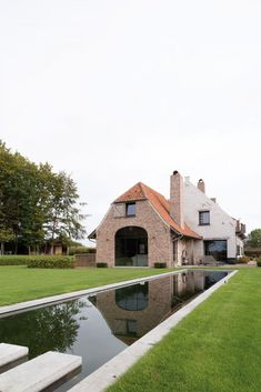Home Sweet Home » Charmante hoeve in oude Vlaamse stijl met een persoonlijke touch Beautiful Buildings, Beautiful Homes, French Exterior, Stucco Homes, Belgian Style, Dream Decor, My Dream Home, Home Interior Design, Future House