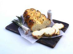 Braided bread with leek - Miniature in 1:12 by Erzsébet Bodzás, IGMA Artisan