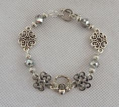 Silver Celtic Claddagh Link Bracelet Jewelry Handmade NEW Fashion Accessories #Handmade #Beaded http://www.ebay.com/itm/Silver-Celtic-Claddagh-Link-Bracelet-Jewelry-Handmade-NEW-Fashion-Accessories-/162548066358?ssPageName=STRK:MESE:IT