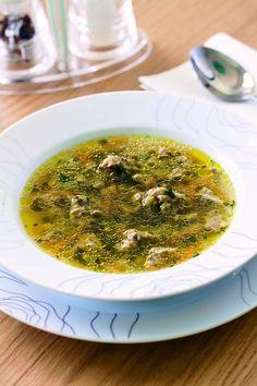 Polévka s játrovými knedlíčky Soup Recipes, Snack Recipes, Snacks, Czech Recipes, Ethnic Recipes, Spinach Soup, Food 52, Palak Paneer, Curry