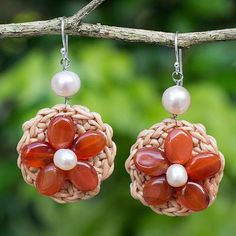 Carnelian and cultured pearl flower earrings, 'Blossoming Rhyme' - Hand…