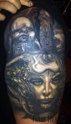 Giger sleeve Hr Giger Tattoo, Paul Booth, Sketch Style Tattoos, Dark Tattoo, Black And Grey Tattoos, Dark Art, Art Sketches, Sleeve Tattoos, Tattoo Artists