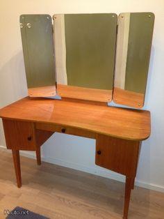 kampauspöytä 3-peilillä