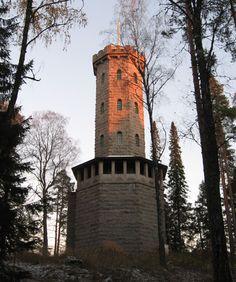 Aulangon näkötorni illansuussa, Hämeenlinna   Tony Hagerlund