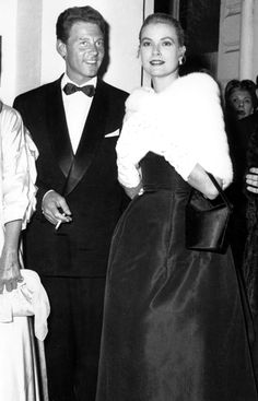 Grace Kelly in a lovely #fur shawl. http://www.fursbygartenhaus.com/