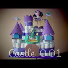 Castillo de pañales y goma eva, ideal para regalar a un recién nacido. |Pinned from PinTo for iPad|