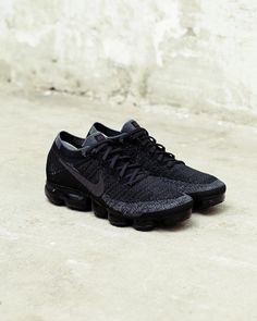"Nike Vapormax ""Triple Black"""