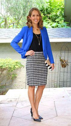 Cobalt blazer, houndstooth skirt or cobalt blazer over black and white dress Cobalt Blazer, Blue Blazer Outfit, Look Blazer, Blazer Outfits, Skirt Outfits, Casual Outfits, Orange Blazer, Dress Skirt, Office Fashion