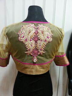 Embroidery_high neck _versatile boutique